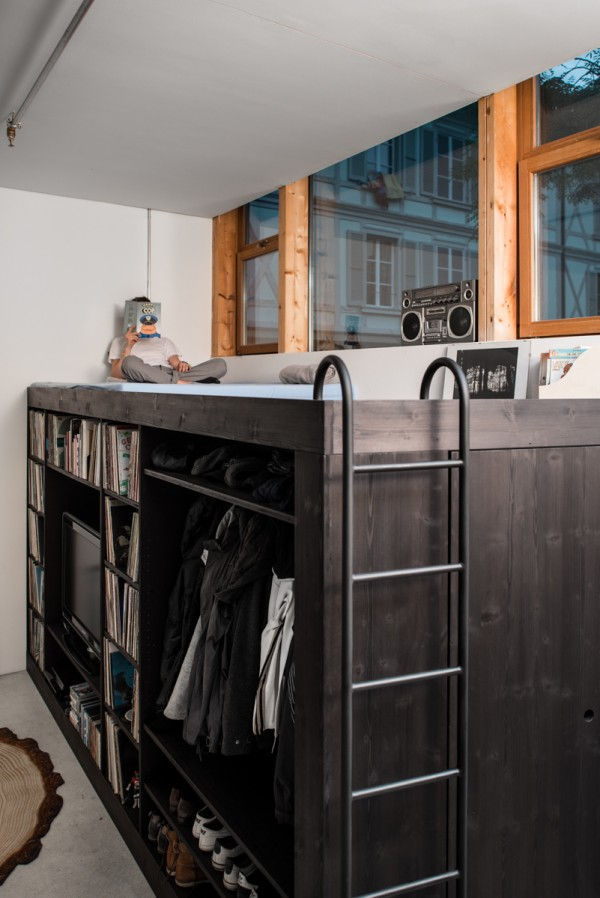 5-lofted-basement-reading-nook-600x898