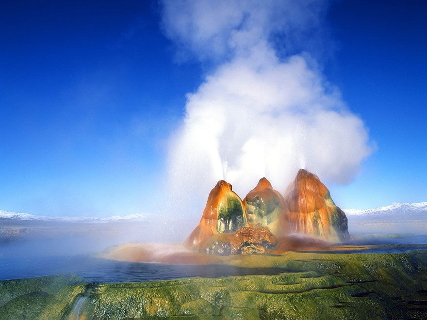 fly-geyser-nevada-2