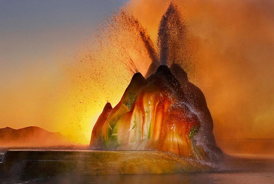 fly-geyser-nevada-8